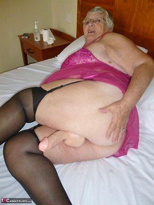 BBW Strapon Pictures