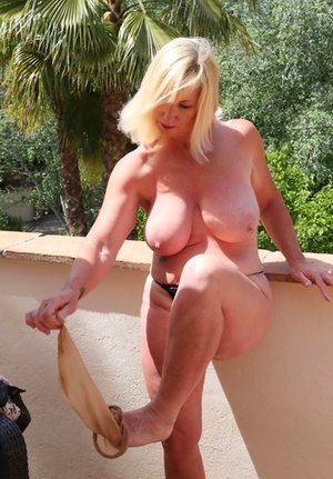 Blonde Milfs Pictures