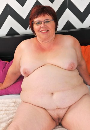 BBW Redhead Pictures